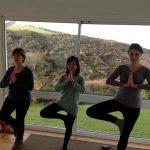 yoga-cung-jessica-va-josie1